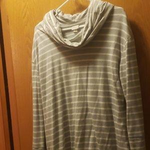 Cowl neck long sleeve sweatshirt